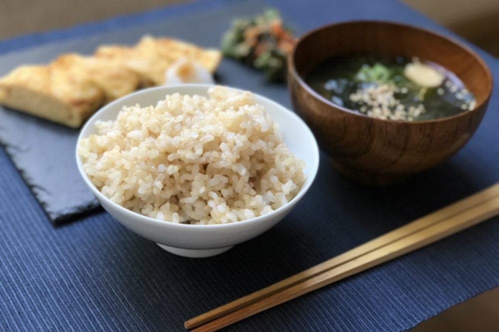 玄米中心の和食