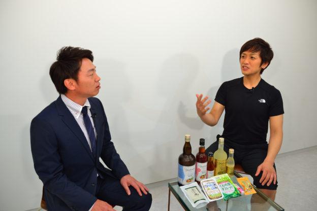 花岡正敬さんと北島店長