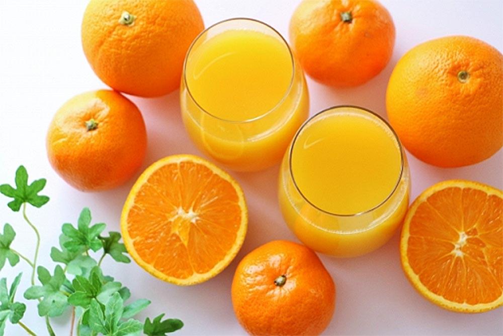 みかんとオレンジジュース